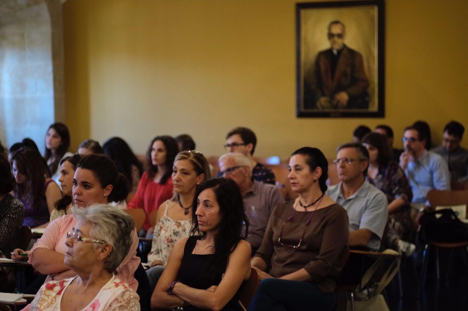 El servicio de voluntariado y red de voluntariado social organizan el curso sobre 39 acercamiento - Voluntariado madrid comedores sociales ...